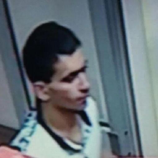 В Приморье бездомный изнасиловал школьницу Во Владивостоке полиция задержала бездомного мужчину. Его подозревают в надругательстве над 14-летней школьницей, которая заметила его за воровством.