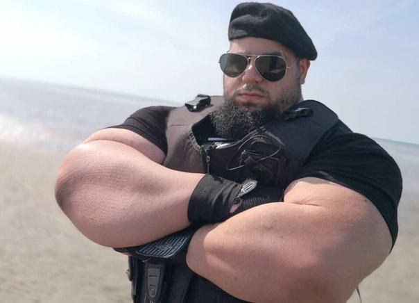 В соцсетях показали настоящую фотографию 28-летнего иранского парня по кличке Халк Выглядит не так