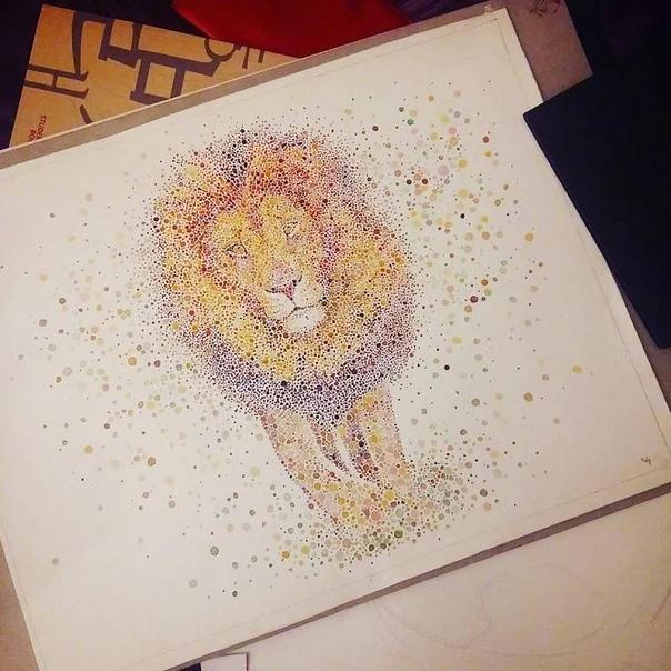 Ана Эншина родом из Лондона создает удивительные рисунки из обычных разноцветных точек Яркие радужные цвета в разных по размеру и форме пятнах отображают, в основном, диковинных