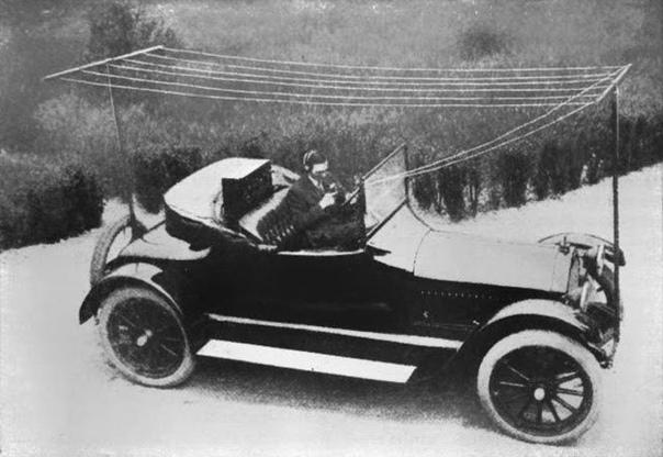 Так выглядело первое радио в автомобиле, США, ок. 1919 года.