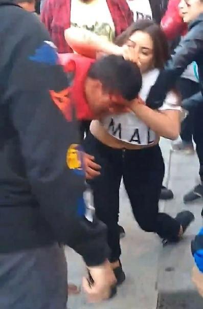 Не шути со мной. В Аргентине вор попытался утащить у 149-сантиметровой девушки телефон, но она оказалась бойцом MMA и избила его.Аргентинка по имени Бриса рассказала, что её телефон был украден