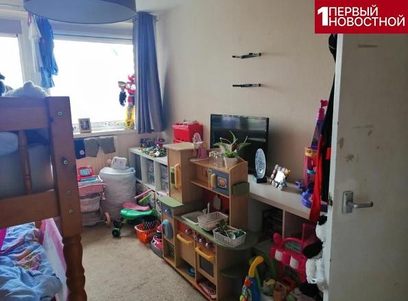 Малоимущая мама в декрете сделала ремонт в комнате детей В период самоизоляции малоимущая мама двоих детей устала сидеть без работы. Она решила обновить атмосферу в детской комнате. На деньги,