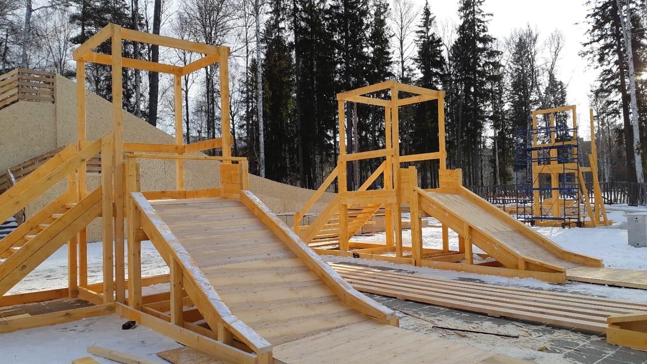 Новогодний Городок в парке: ход строительства