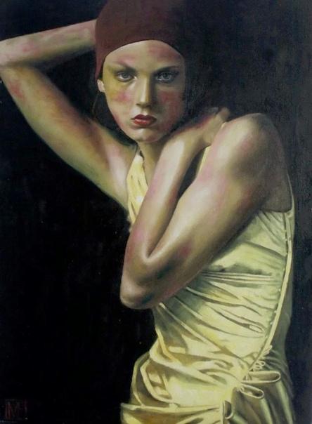 Марек Фиялковски родился в 1974 году в Польше Окончил факультет изобразительных искусств в Университете Николая Коперника в Торуне. Основной темой его искусства является образ женщины, глубоко