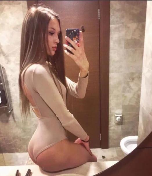 Молодая девушка Анастасия имеет более 50 тысяч подписчиков, которые восхищаются ее внешностью Некоторые из них до сих пор не знают, что ранее она была мужского пола и имела имя