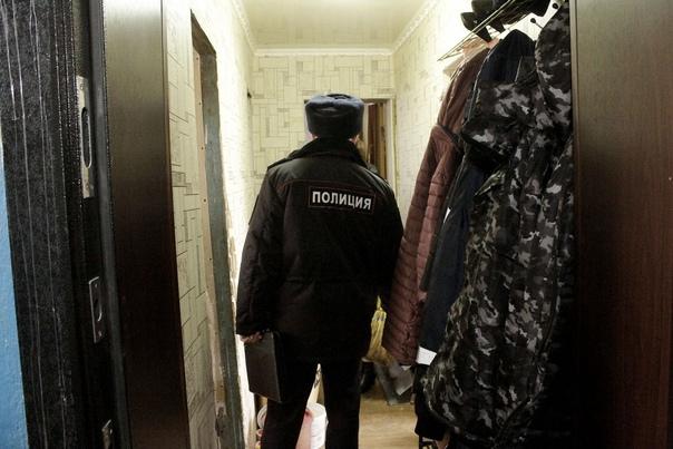 Сегодня утром в Одинцовском районе Подмосковья мать уложила 10-месячную девочку спать, а спустя 3 часа нашла в люльке остывающий труп Ребенок запутался в пеленках и задушил сам себя. Следователи
