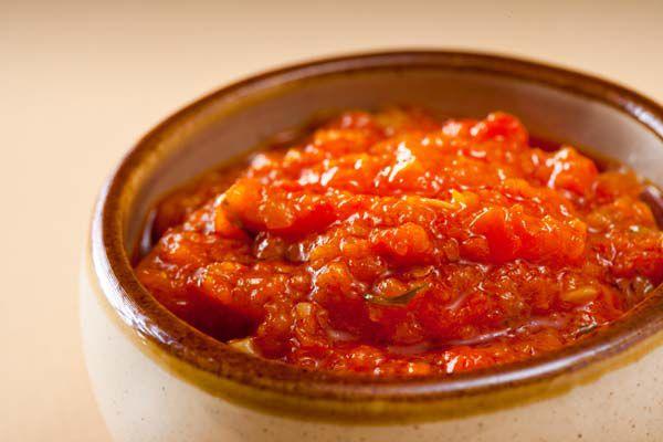 ИСКЛЮЧИТЕЛЬНО ПОЛЕЗНАЯ ВИТАМИННАЯ ПРИПРАВА Никакие кетчупы и соусы из супермаркета не смогут с ней сравниться. Эта полезная витаминная приправа подойдет к любым блюдам. Попробуйте
