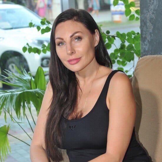 Вот так благодаря физическим нагрузкам изменилась Наталья Бочкарева, которая известна по роли Даши Букиной в сериале «Счастливы